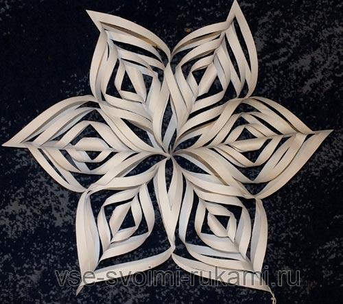 Объёмные снежинки из бумаги своими руками на новый год фото